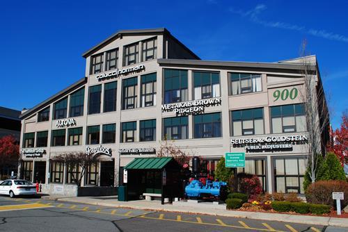 900 Cummings Center