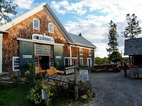 Gallery Image Russell-Orchards.jpg