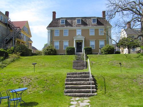 Gallery Image Sargent-House-Lawn.jpg