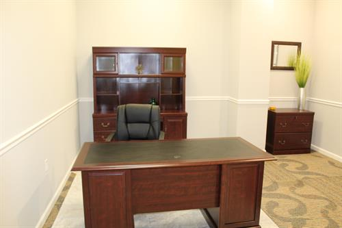 4 sizes of offices with one accent wall