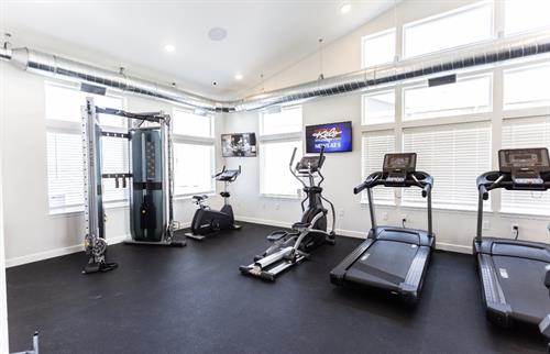 24/ 7 Fitness center