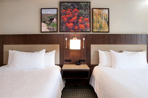 Cozy Double Queen Beds