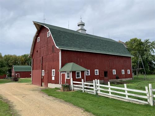 1930s Dairy Barn at Farmamerica