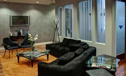 Gallery Image ed-lobby1.jpg