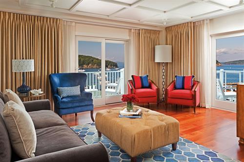 Gallery Image Guestroom_Living_Room_Harbor_View_13742_standard.jpg
