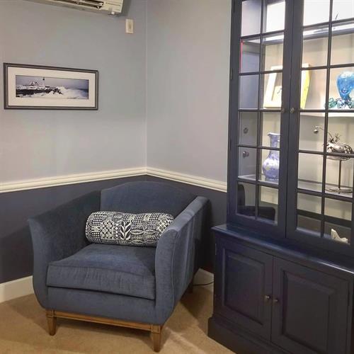 Gallery Image room7_chair.jpg