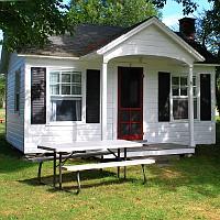 Llangolan Inn & Cottages