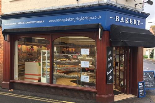 Gallery Image maiseys-bakery-shop-signage-design-somerset.jpg