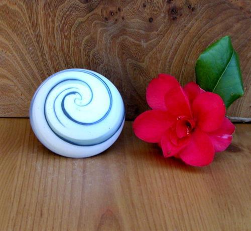 Marbled porcelain ring box handmade by Simon Eeles.