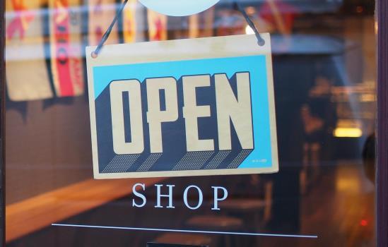 Online & Retail