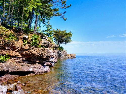 Breezy's Lake Superior Shoreline