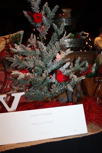 Gallery Image 103_COUNTRY_CHRISTMAS_by_Gary_and_Karen_Sterkel_(4).JPG