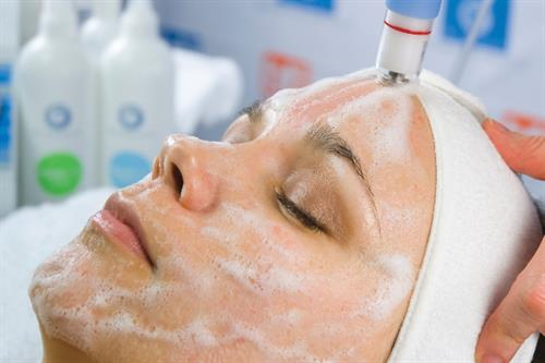 Unique services like wet/dry microdermabrasion