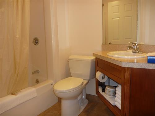 Yankee Clipper Motel  - Bathroom