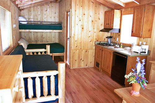 Our deluxe cabin sleeps 5