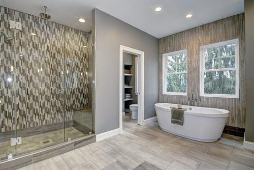 Gallery Image Meridian_Homes_-_Bathroom_Custom_Home_2.jpg