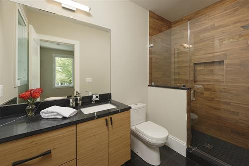 Gallery Image Meridian_Homes_-_Bathroom_Custom_Home_3.jpg