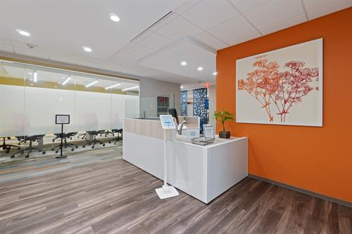 Office Evolution Herndon - Reception Area