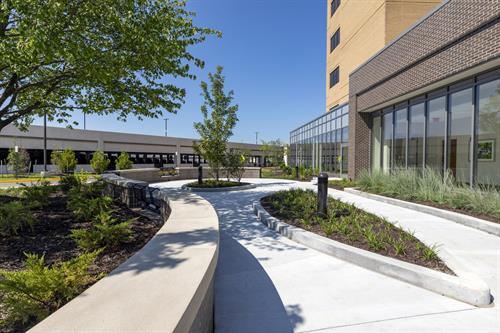 Reston Hospital Center - Courtyard