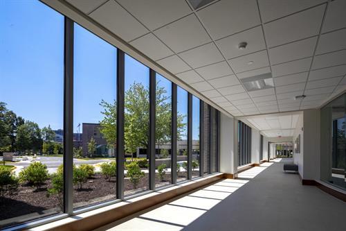 Reston Hospital Center - Visitor walkway