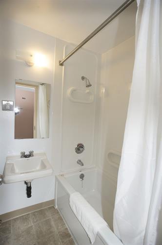 Arts & Science Residence - bathroom