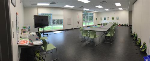 Smaller rooms for breakout sessions or smaller teams