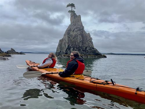 """Kayak to the """"Naked Man"""" sea stack in Spread Eagle"""