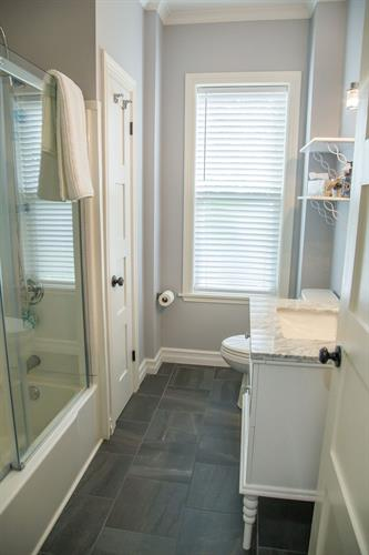 The Mary & Nan rooms feature a private bath with standard bath/shower combo for easy entry & exit!