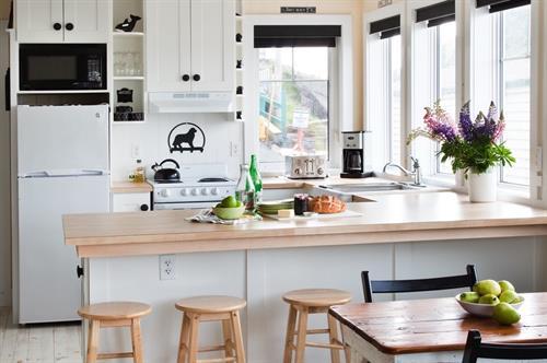 Gallery Image kitchen_1-0002_crop_17-18-35.jpeg