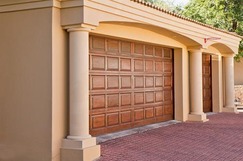 Gallery Image real-estate-374190_1280.jpg