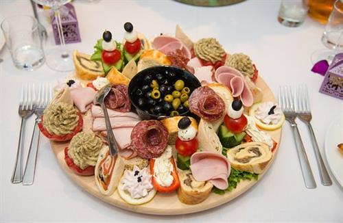 Gallery Image cafe-louise-cold-cut-plate(1).jpg