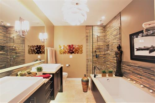 Award winning bathroom remodel in Chicago done by LaMantia.