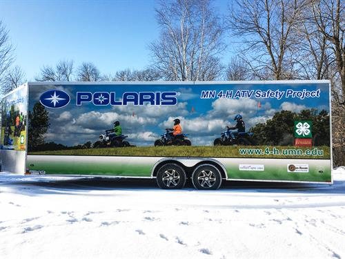 Gallery Image 4-H_Polaris_Trailer_left.jpg