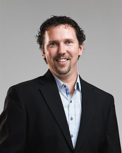 Dustin Heggem, Broker/Co-Owner
