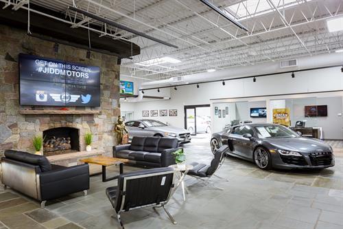 Gallery Image Jidd_Motors_Luxury_Car_Dealer_Chicago__(9).jpg