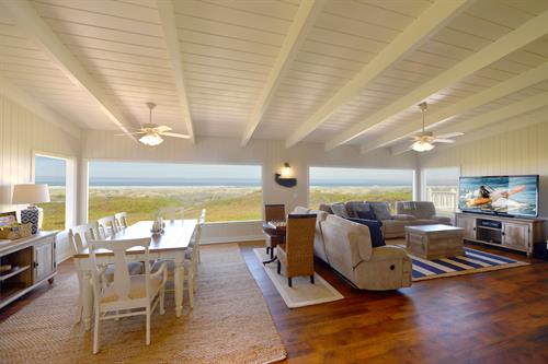 3015 Beachcomber - Oceanfront with 3 separate suites