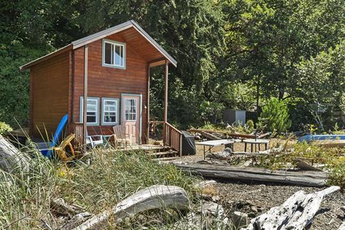 Fox Island Waterfront ~ MLS 1644225