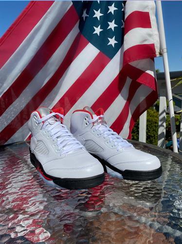 Gallery Image NikeFireRed.jpg
