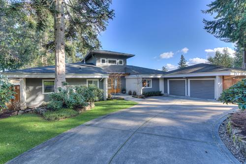 Extraordinary High Bank Waterfront Home in Gig Harbor Just Sold