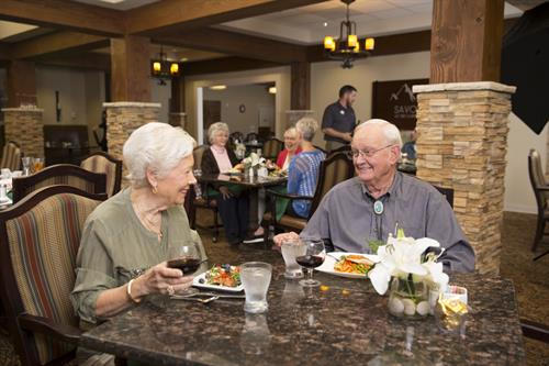 Gallery Image Dining_with_Villas_Residents_1.jpg
