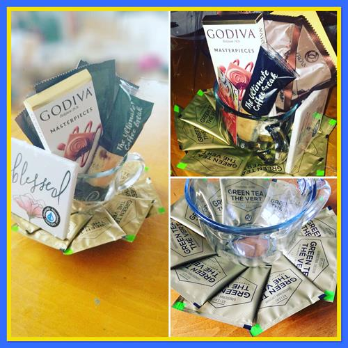 Organic coffee and tea gift set.