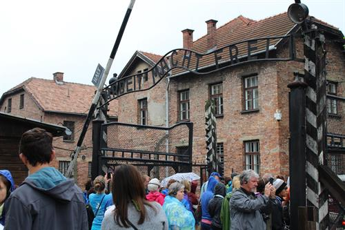 Gallery Image Poland_2016_Auschwitz_I_Entrance_Gate.JPG