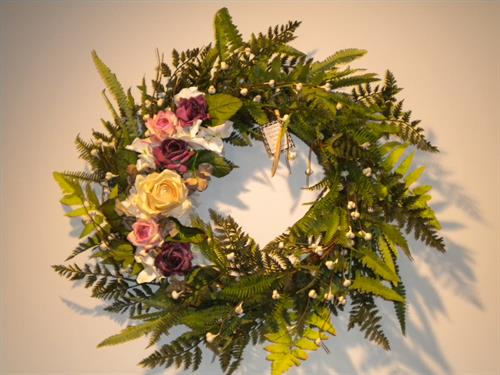 Gallery Image TW_Fern_Wreath_2012.jpg