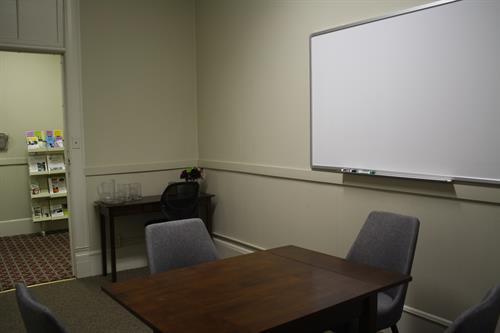 Meeting room - seats 4