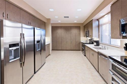 Casita Kitchen with dual appliancees