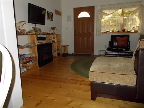 Gallery Image GS_toward_front_door.jpg