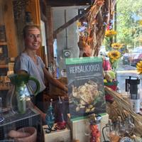Holiday Fall Window Designer, Jen