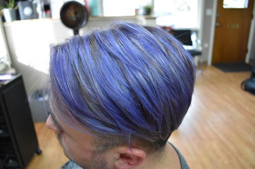 ELECTRIC.LILAC. This color not only lasted over 4 weeks, but the fade out was GORGEOUS. From electric, to lilac, to gray, to white. What more could a blonde ask for?