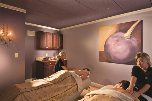 Gallery Image JCI__Couples_Massage.jpg