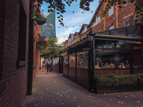 Our Large outside are allows for customers to enjoy their food and drink outside rain or shine
